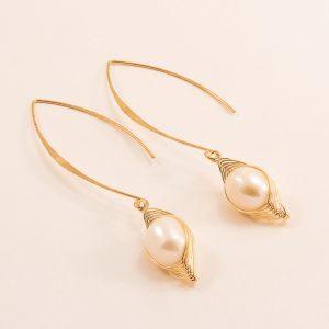 Boucles d'oreilles en acier inoxydable et perles nacrées